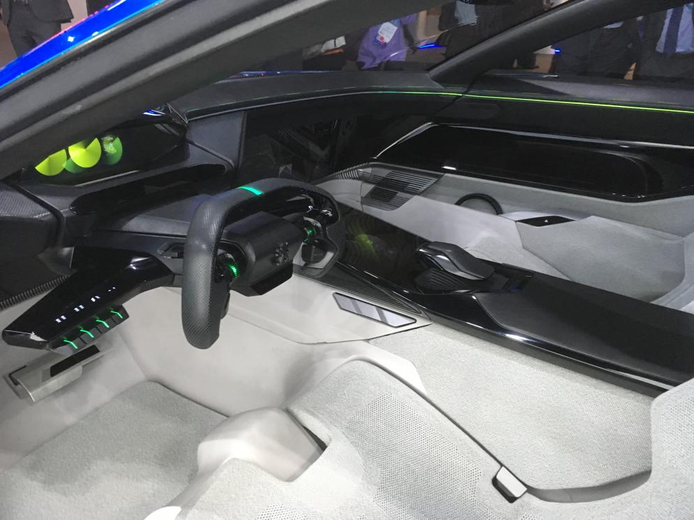Peugeot instinct self-driving car concept: interior and dasboard when driver is in control
