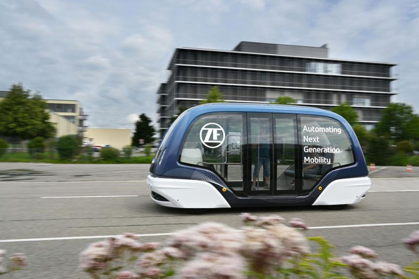 ZF is expanding its shuttle service to strengthen urban mobility.