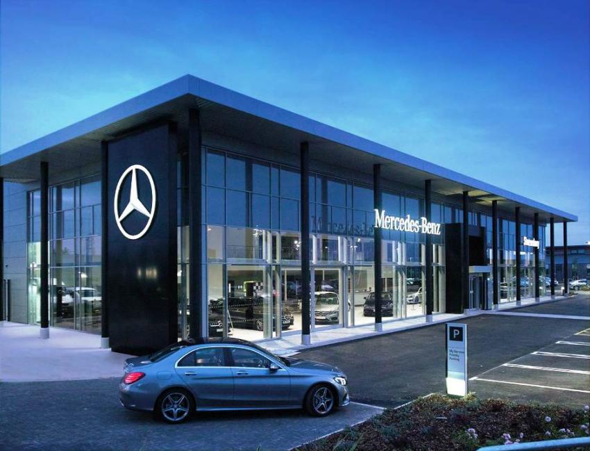 New look mercedes dealership revealed fleet europe for Mercedes benz dealers in germany