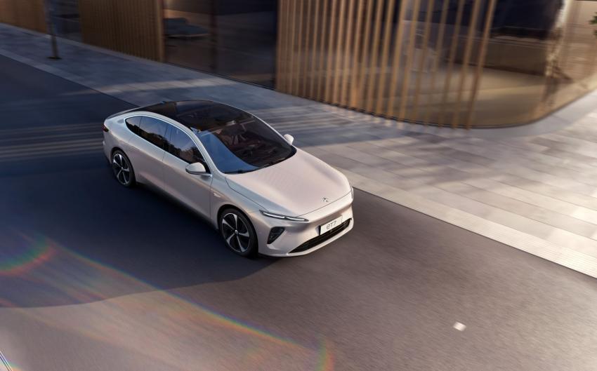 NIO reveals ET7 sedan for Germany.